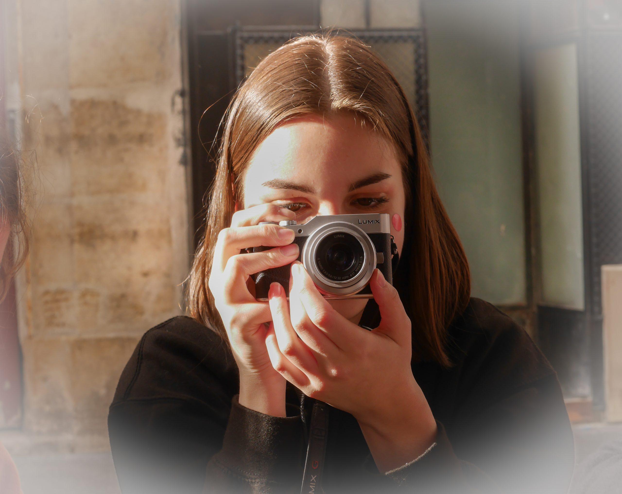 Je suis Célia Consolini, étudiante en journalisme à Lille.